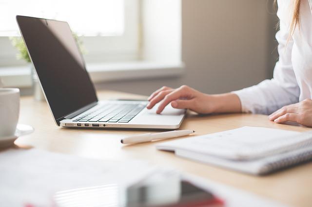 Como viver de vendas online? Descubra como vender mais planos de saúde